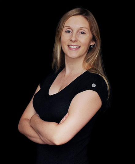 Dr. Julia Duinker